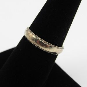 Jewelry - Vintage Size 8 Sterling Rustic Hammered Edge Ring